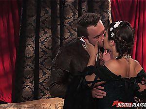 Game of Thrones porn parody studies the bedroom secrets of our dearest heroes