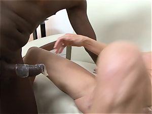 Darla Crane boinks ebony manmeat before her spouse cleans up
