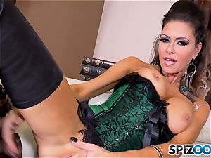 dark haired beauty Jessica Jaymes messes with her killer minge