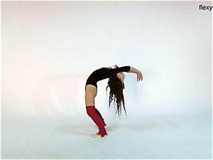 lengthy ebony haired teen Anna Ocean
